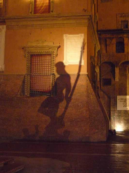 l'ombra del Nettuno che faceva la guardia